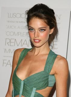 Emily DiDonato is the half Irish half Italian beauty, born in the USA mostly known from Maybelline New York commercials.