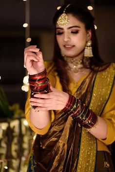 This beautiful Amritsar wedding is legit Punjabi wedding goals! - Dhol to Doli Pakistani Bridal Jewelry, Indian Bridal, Net Dresses Pakistani, Bangle Ceremony, Bridal Chuda, Bridal Bangles, Trendy Sarees, Royal Clothing, Wedding Goals