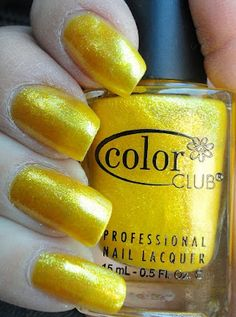 Color Club - Daisy Does It.