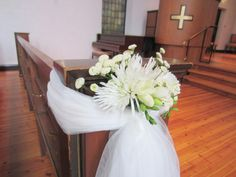 Trenger du en enkel og rimelig måte å pynte kirken på? Det trenger ikke koste så mye å pynte kirk...