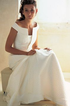 simple and lovely wedding dress!