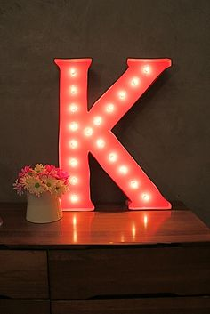 DIY Marquee Letter via Kara Paslay Designs. This girl has rocked my DIY world for years now. She is AWESOME!