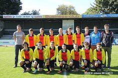 Dit is mijn voetbalteam, voetbal ik mijn grootste hobby, ik train 2 keer per week en 1 wedstrijd ik speel bij DOSR in de b1.