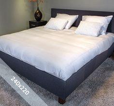 Sofiben dekbedovertrek 'Aube'. Een lits-jumeaux (240x220 cm) dekbedovertrek van 100% katoen satijn, voorzien van een rits. Het dekbedovertrek is geheel wit van kleur en voorzien van een streeppatroon voor een luxueuze uitstraling.