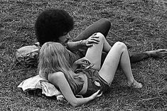 Rock photographer Baron Wolman reveals archive of evocative images from Woodstock Festival Janis Joplin, Photos Rares, Natural Beauty Recipes, Life Changing Books, Natural Homes, Thing 1, Baby Cardigan, Natural Home Remedies, Find Image