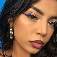 30 Attractive blue eyeliner makeup art ideas looks very beauty – Page 13 Cool Makeup Looks, Cute Makeup, Glam Makeup, Pretty Makeup, Makeup Inspo, Makeup Art, Makeup Inspiration, Beauty Makeup, Bride Makeup