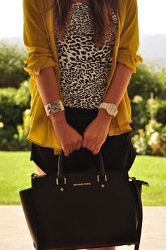 I love Selma Bag from Michael Kors! Do you love it too? Get it here: http://rstyle.me/~1EKyL