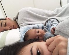 cute family, baby family, family goals, cuddles in bed, couple Cute Family, Baby Family, Family Goals, Couple Goals, Foto Baby, Dad Baby, Future Mom, Cute Baby Pictures, Cute Couples Goals