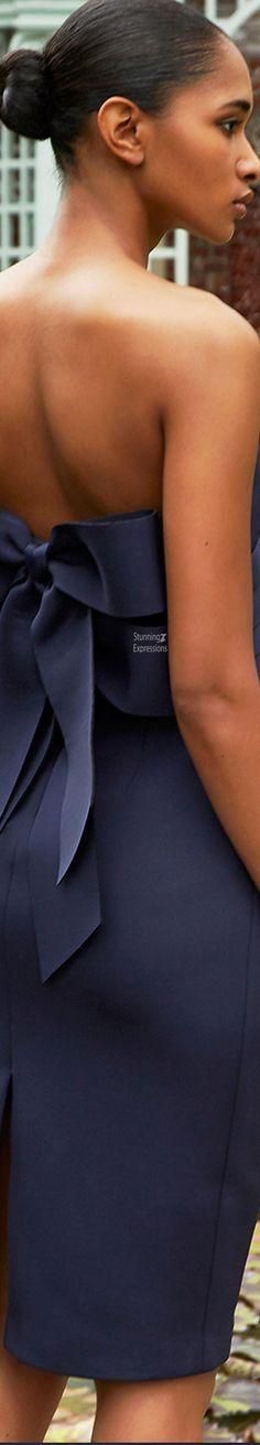 Badgley Mischka Spring 2021 Love Fashion, Womens Fashion, Fashion Design, Seasonal Image, Fashion Labels, Badgley Mischka, Black People, Couture Fashion, Spring Summer