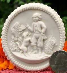 Cookie made with Small Kassel's Boy and Dog mold Springerle Cookies, Cookie Desserts, Ancient Art, Biscotti, Gingerbread Cookies, Cake Toppers, Bakery, Decorative Plates, Birds