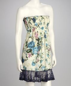 <p+style='margin-bottom:0px;'>Look+no+further+than+this+feminine+frock+for+a+daytime+outfit.+Combining+vintage-inspired+floral+pattern+and+a+ruffled+hem,+this+number+is+a+great+way+to+look+fresh+when+the+sun+scorches.<p+style='margin-bottom:0px;'><li+style='margin-bottom:0px;'>Measurements+(size+S):+28''+long+from+high+point+of+shoulder+to+hem<li+style='margin-bottom:0px;'>55%+cotton+/+45%+viscose<li+style='margin-bottom:0px;'>Hand+wash;+dry+flat<li+style='margin-bottom:0px;'>Imported<br+/>