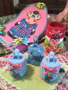 Varias decoraciones en foamy