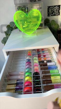 Desk Drawer Organisation, Makeup Organization Ikea, Makeup Vanity Storage, Diy Vanity, Organization Ideas, Makeup Organiser Ikea, Vanity Ideas, Ikea Makeup Drawers, Vanity Drawers