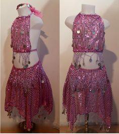 Glitter Buikdanskostuum met muntjes meisjes 3-delig : topje, hoofdbandje en ROKJE (4-8 jaar)  ROZE ROSE - ZILVER - 3-piece Girls Bellydance bellydance glitter costume  PINK, SILVER decorated