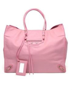 For many women, purchasing an authentic designer bag is just not something to dash into. As these bags can certainly be so expensive, ladies generally worry over their choices before making an actual purse acquisition. Guess Handbags, Tote Handbags, Purses And Handbags, Trendy Handbags, Balenciaga City Bag, Pink Balenciaga, Cheap Bags, Cute Bags, Fashion Bags
