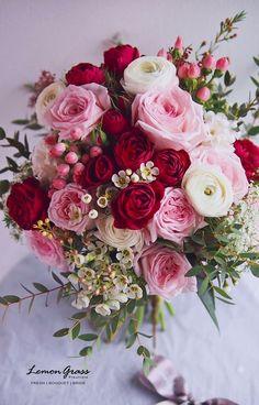 Bridal Flowers, Flower Bouquet Wedding, Floral Wedding, Wedding Colors, Beautiful Flowers, Bride Bouquets, Floral Bouquets, Beautiful Flower Arrangements, Floral Arrangements