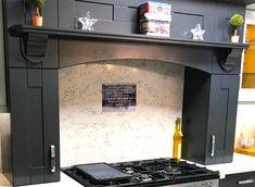 How to integrate a Range cooker - DIY Kitchens - Advice Kitchen Sets, Diy Kitchen, Range Cooker Kitchen, Integrated Cooker Hoods, Kitchen Mantle, Cottage Kitchens, Dream Kitchens, Extractor Hood, Modern Kitchen Design
