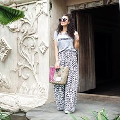 Tropical looks travel outfit diary southeast asia streetstyle indonesia kua Cute Travel Outfits, Best Travel Clothes, Comfy Travel Outfit, Cool Summer Outfits, Travel Clothes Women, Travel Outfit Summer, Cute Outfits, Summer Dresses, Summer Travel