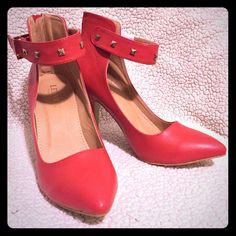 """Fiene Ankle Strap Pump by Leuven Alexander It's a synthetic leather upper ankle strap pump with a side buckle closure accented with studs.  Back zipper.  Heel measures 4"""".  Tried it on new, but never had an occasion to use it.  Wide in size. Leuven Alexander Shoes Heels"""