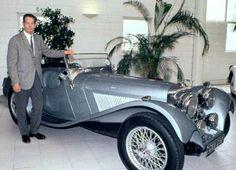 Mașinile Regelui Mihai: Jaguarul albastru. Romanian Royal Family, Royal Weddings, Jaguar, King, Descendants, Mai, Edinburgh, Ferrari, Greece