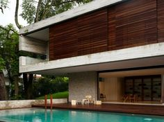 The most fabulous and expensive district in Singapore is Bukit Timah, a place where you could find the beautiful House, designed by a famous architectural firm called ONG&ONG Minimalist House Design, Minimalist Home, Contemporary Architecture, Architecture Design, Cabana, Modern Exterior, Elegant Homes, Luxury Homes, Beautiful Homes