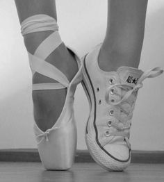 When I'm not wearing ballet shoes I'm almost always wearing my converse. I usually seem like a bit of a tomboy and then people are really surprised when they hear I do ballet. I actually dislike the pink tights and tutus for ballet. Dance Like No One Is Watching, Just Dance, Pointe Shoes, Ballet Shoes, Toe Shoes, Dance Aesthetic, Baile Hip Hop, Estilo Hip Hop, Converse