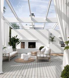 Indoor Outdoor Living, Outdoor Rooms, Outdoor Showers, Modern Outdoor Living, Outdoor Decor, Patio Design, House Design, Garden Design, Landscape Design