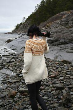 Relatert bilde Bell Sleeves, Bell Sleeve Top, Winter Hats, Lace, Knitting, Tops, Women, Fashion, Photo Illustration