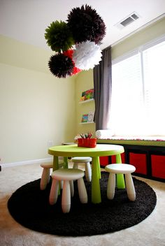 love the color pallet here- red green white black