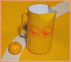 Arabia FINEL, very rare enamel jug, designed by Kaj Franck Finland Vintage Enamelware, Vintage Kitchenware, Vintage Teapots, Marimekko, Scandinavian Style, Decor Crafts, Finland, Tea Pots, Pottery