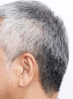 「太白ごま油」でうがいをすると、豊かな黒髪が復活する!? 9/15に発売された「薄毛・白髪に効く!『白ごま油うがい』」(オレンジページ刊)から驚きの養毛術についてご紹介。