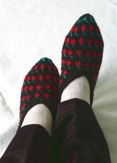 Traditional Turkish knitting slippers home by KnitterPrincess, $22.00