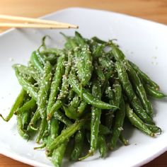 Garlic-Parmesan Sesame Stir Fry Green Beans for a healthy and delicious flavour packed Christmas side dish.