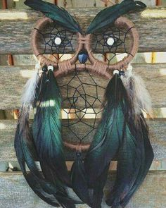 Owl-Dream-Catcher- dream catcher 22 Cool DIY Projects for Teenagers - The Saw Guy Cool Diy Projects, Diy Projects For Teens, Owl Crafts, Diy And Crafts, Los Dreamcatchers, Moon Dreamcatcher, Dreamcatcher Tutorial, Dream Catcher Craft, Dream Catcher Patterns