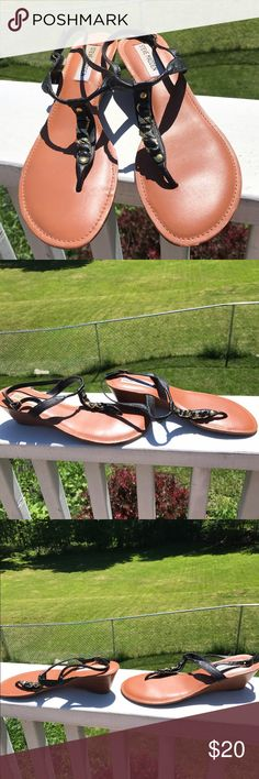 "Steve Madden Ankle Strap Wedge Chain Sandals  7 Steve Madden Ankle Strap Wedge Chain Sandals. Size 7. Genuine Leather. Gently Worn. Measurements appropriately 1"" heels🚫trades. Please ask all questions prior to buying Steve Madden Shoes Sandals"