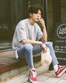 Men street · fashion moda · be unique! Korean Fashion Men, Asian Fashion, Boy Fashion, Mens Fashion, Fashion Outfits, Street Fashion, Japanese Fashion Men, Korean Fashion Summer, Fashion Tights