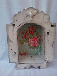 Distressed white painted nicho / shrine with vintage pink and blue roses background Decoupage, Religious Icons, Religious Art, Art Projects, Projects To Try, Home Altar, Assemblage Art, Mexican Folk Art, Sacred Art