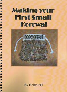 T hese books evolved from the need for an instruction manual for beginners who wished to learn NZ Maori korowai ( cloak ) weaving technique. Flax Weaving, Basket Weaving, Weaving Process, Weaving Techniques, Maori Patterns, Flax Fiber, Maori Designs, Maori Art, Kiwiana