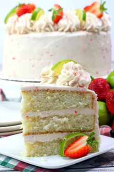 This Strawberry Margarita Cake is absolutely amazing, tasting like a sweet combination of strawberries and lime, with a burst of tequila. Margarita Cake, Strawberry Margarita, Strawberry Cakes, Strawberry Recipes, Strawberry Puree, Tequila, Easy Desserts, Delicious Desserts, Cake Recipes