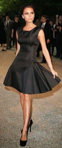 Splendid Sass: PINTEREST FAVORITES how to lengthen  a too short skirt  lace trim