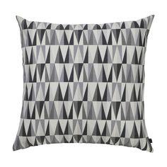 Anju geometrisches kissen grau 50x50 von anju design for Wohnzimmer kissen 80x80