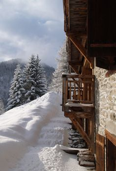 Ferme de Moudon - this is the French Ski Chalet from Grand Designs....love it! Ski Chalet, Alpine Chalet, Lodge Style, Chalet Style, I Love Winter, Winter Snow, Mountain Homes, Mountain Living, Mountain Decor