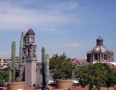 Mexico City, Hotel De Cortes, Lounge Bar El Cielo, View of Church of San Hipolito - Photo by German Murillo-Echavarria 0709