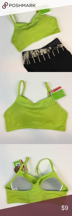 """Moving Comfort High Impact Alexis Bra Moving Comfort """"Alexis"""" high impact sports bar in neon green. Adjustable straps. Size S (32AB-34A).b Brand new with tags. Originally purchased from REI. Tagged lululemon for exposure. Make an offer today✨ lululemon athletica Intimates & Sleepwear Bras"""