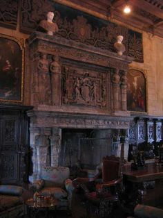 hearst_castle_fireplace