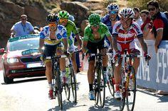 A Volta da Espanha está cada vez mais emocionante. Ainda faltam 11 etapas para o término da competição! Foto: site lavuelta . com   #lavuelta #ciclismo #bike #pedalar #fastrunner #esporte #saude #voltadaespanha #bicicleta