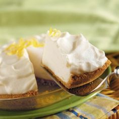 Lemon Chiffon Pie-This is a delicious and easy recipe. It is a healthy, low fat, low calorie, NO-Cholesterol, low carbohydrates, low sodium and a WeightWatchers (4) PointsPlus+ recipe.