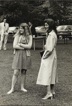 JACKIE KENNEDY & CAROLINE Original Doubleweight Press Photo by BLACKSTAR 1970's