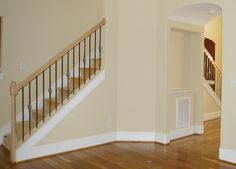 baseboards - just like riverchase house i saw with wood trim at bottom. Baseboard Styles, Baseboard Molding, Floor Molding, Moldings And Trim, Base Moulding, Baseboard Ideas, Shoe Molding, Crown Molding, Country Interior Design