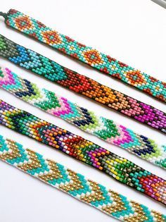 Chevron Beaded Friendship Bracelet You door UnderThoseNeonLights Seed Bead Bracelets Tutorials, Friendship Bracelets With Beads, Loom Bracelet Patterns, Beaded Bracelets Tutorial, Seed Bead Patterns, Bead Loom Bracelets, Jewelry Patterns, Beading Patterns, Chevron Patterns